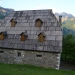 ALBANIA Y MONTENEGRO 052